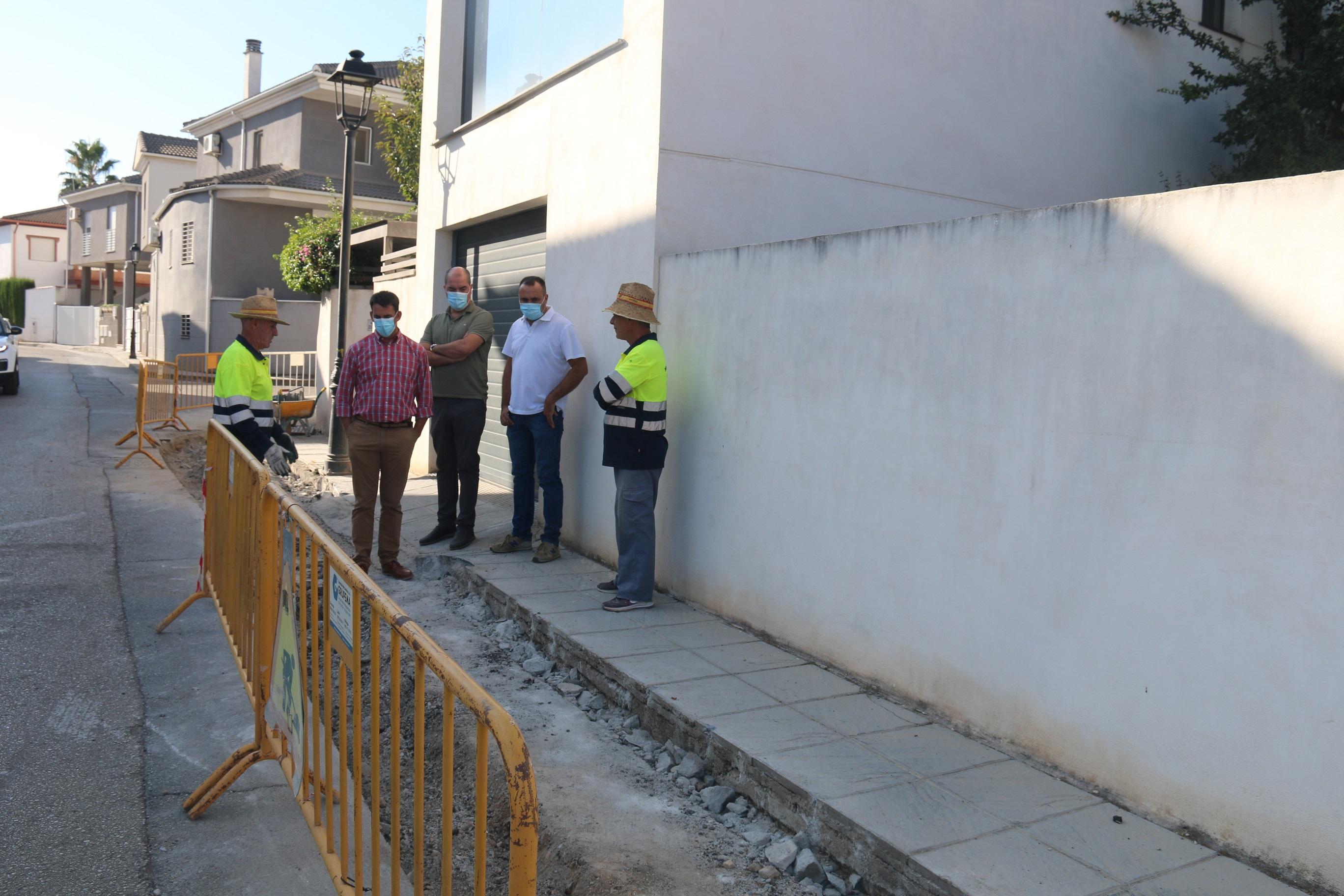 Alhendín invierte 30.000 euros en la calle Castilla para hacerla más transitable y accesible