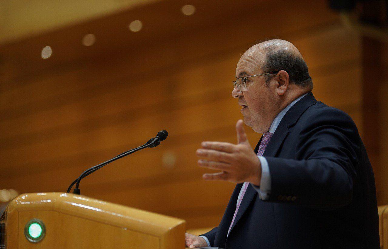 Robles (PP) exige al Gobierno que aclare los motivos del retraso en culminar el estudio informativo para la integración del AVE en Granada