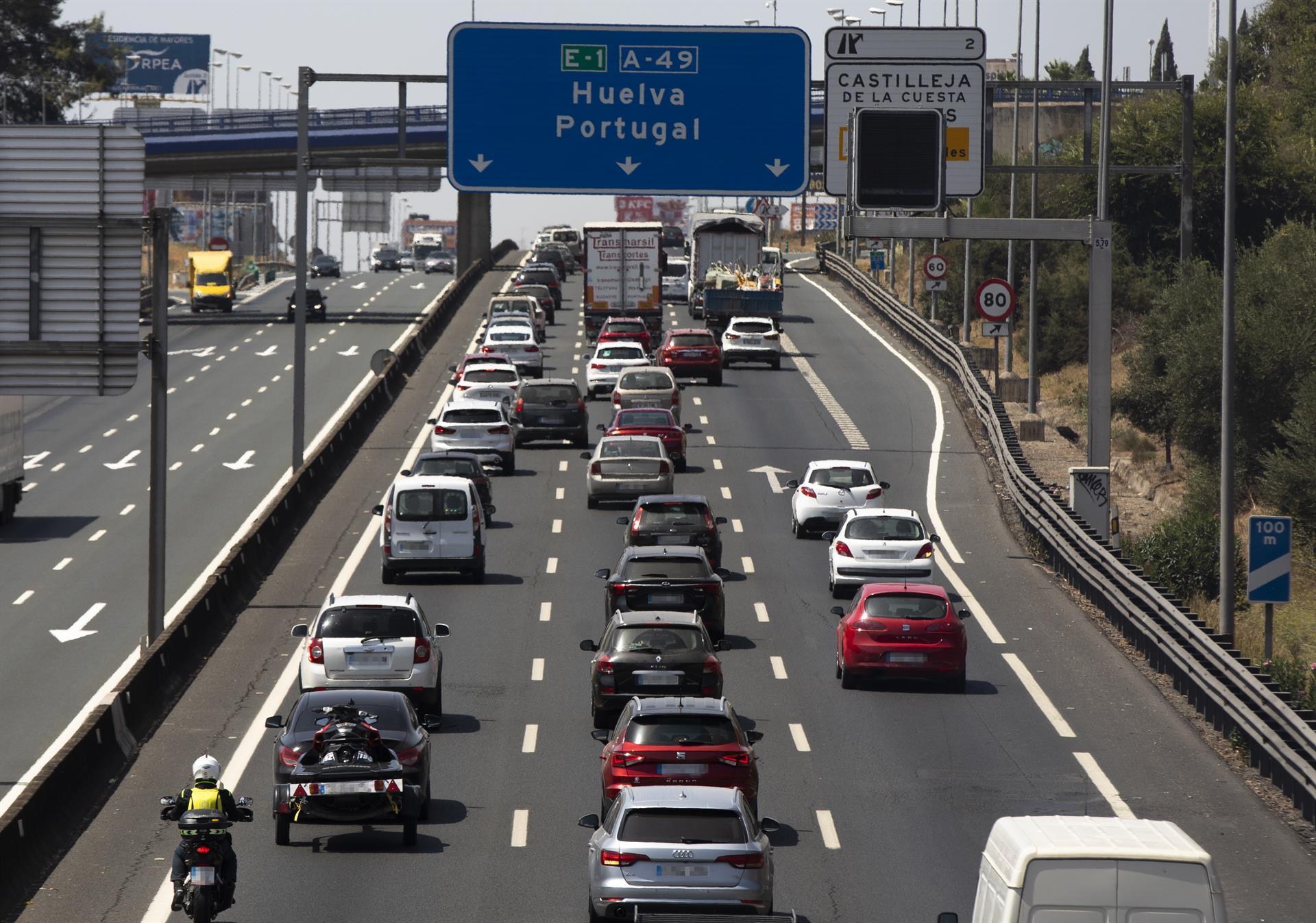 Andalucía cierra la operación verano de la DGT con casi 20 millones de viajes de larga distancia y 54 fallecidos
