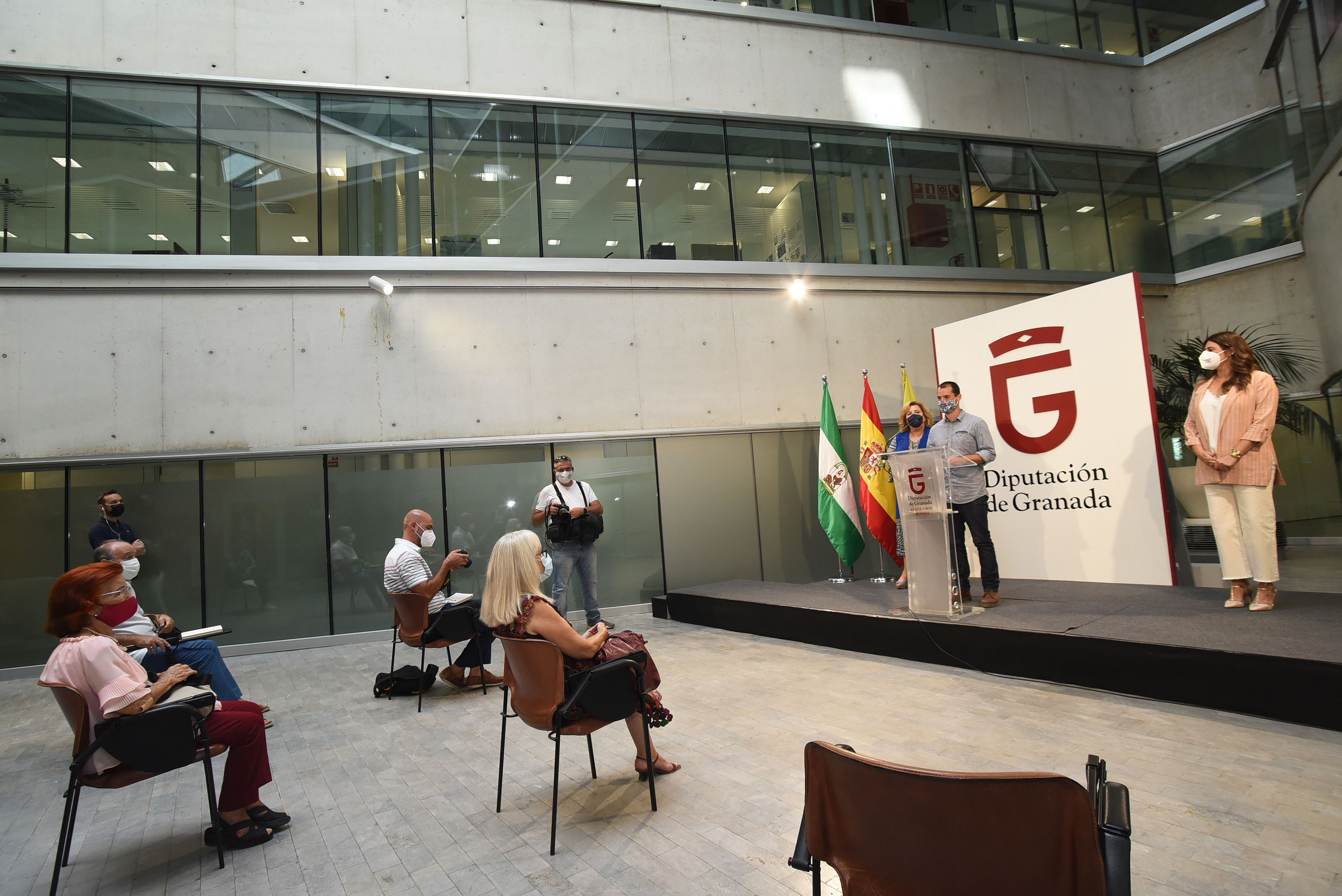 """Se edita el poemario """"Rudimentos para un espacio interior"""", ganador del Premio Andaluz de Poesía Villa de Peligros"""