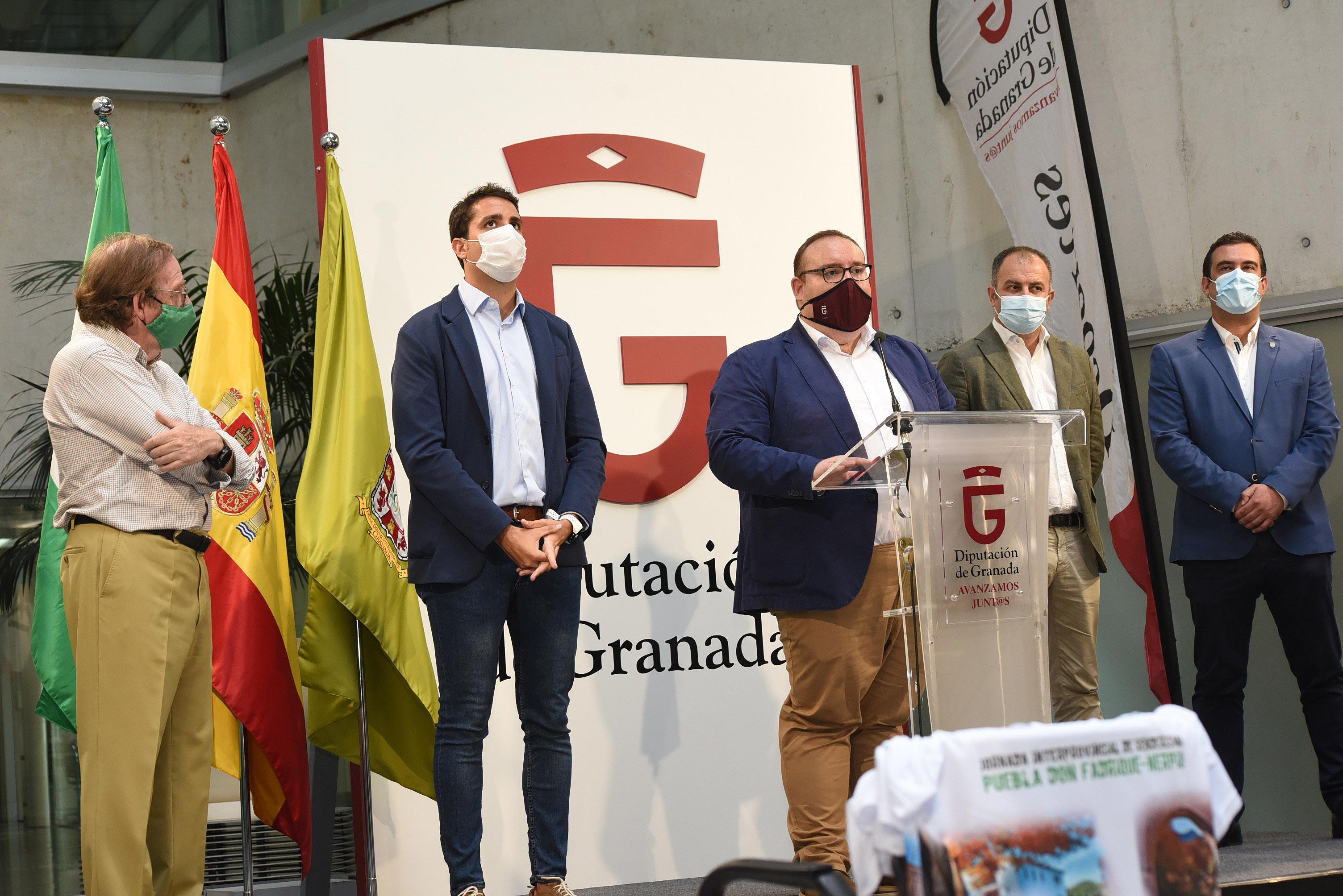 200 senderistas recorrerán 11 kilómetros de ruta para unir Granada y Albacete