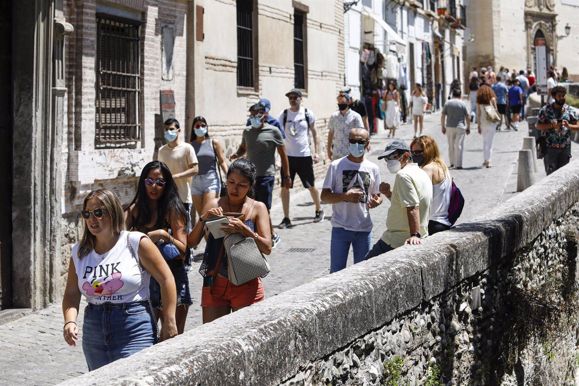 Los guías turísticos ven «esperanzadora» la llegada de las ayudas directas de la Junta