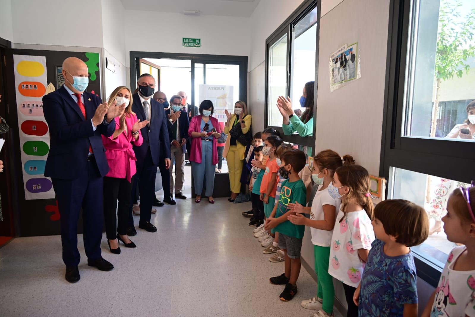 Imbroda anuncia el inicio de las obras del nuevo instituto de Albolote para la primavera de 2022