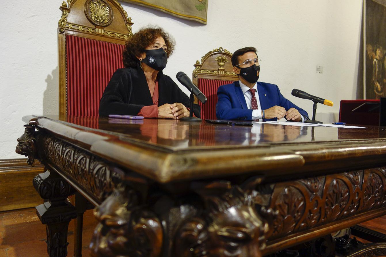 Reunión entre la rectora de la UGR, Pilar Aranda, y Paco Cuenca para avanzar en grandes proyectos de desarrollo socioeconómico para Granada