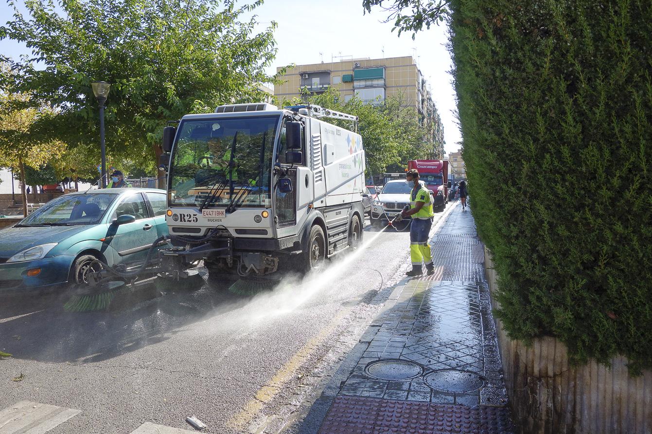 Las brigadas de limpieza de choque dan prioridad a las demandas de las asociaciones de vecinos
