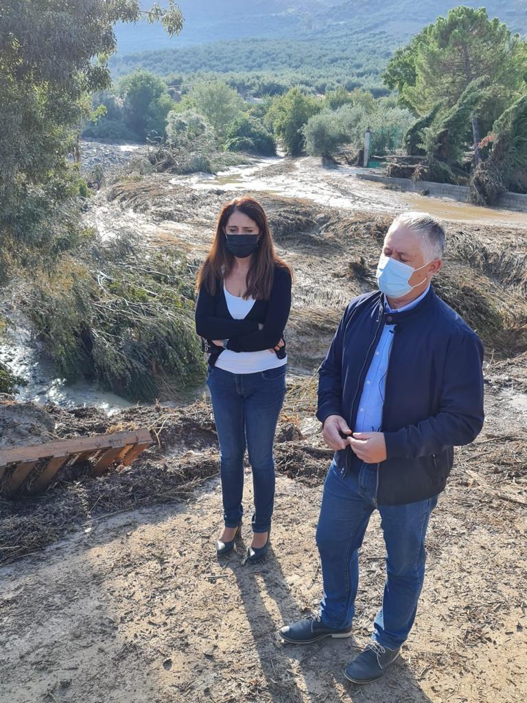 Diputación trabaja en la limpieza de las carreteras de la comarca de los Montes tras la tromba de agua de ayer