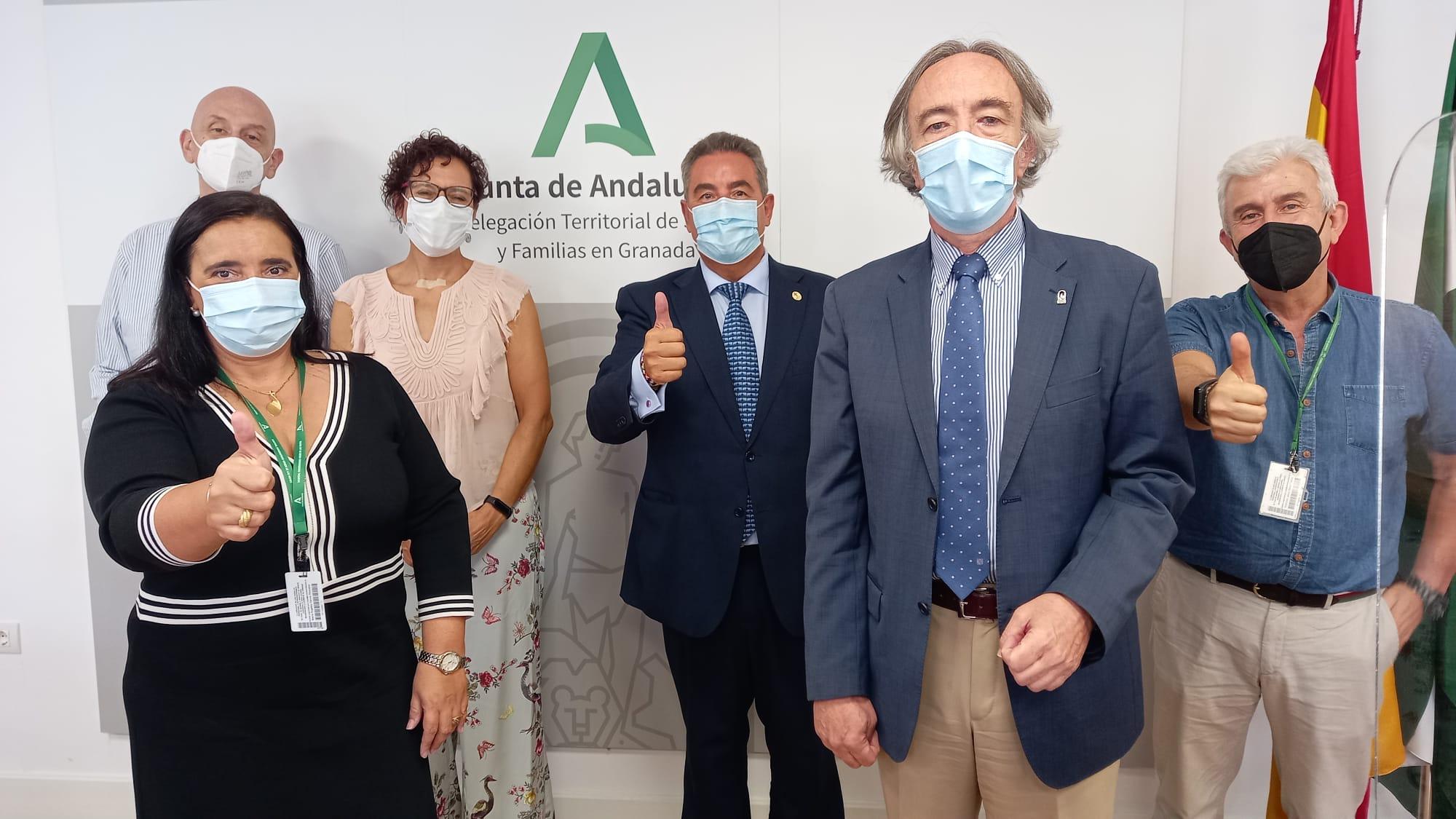 El Hospital Virgen de las Nieves renueva la colaboración con la Asociación Española Contra el Cáncer