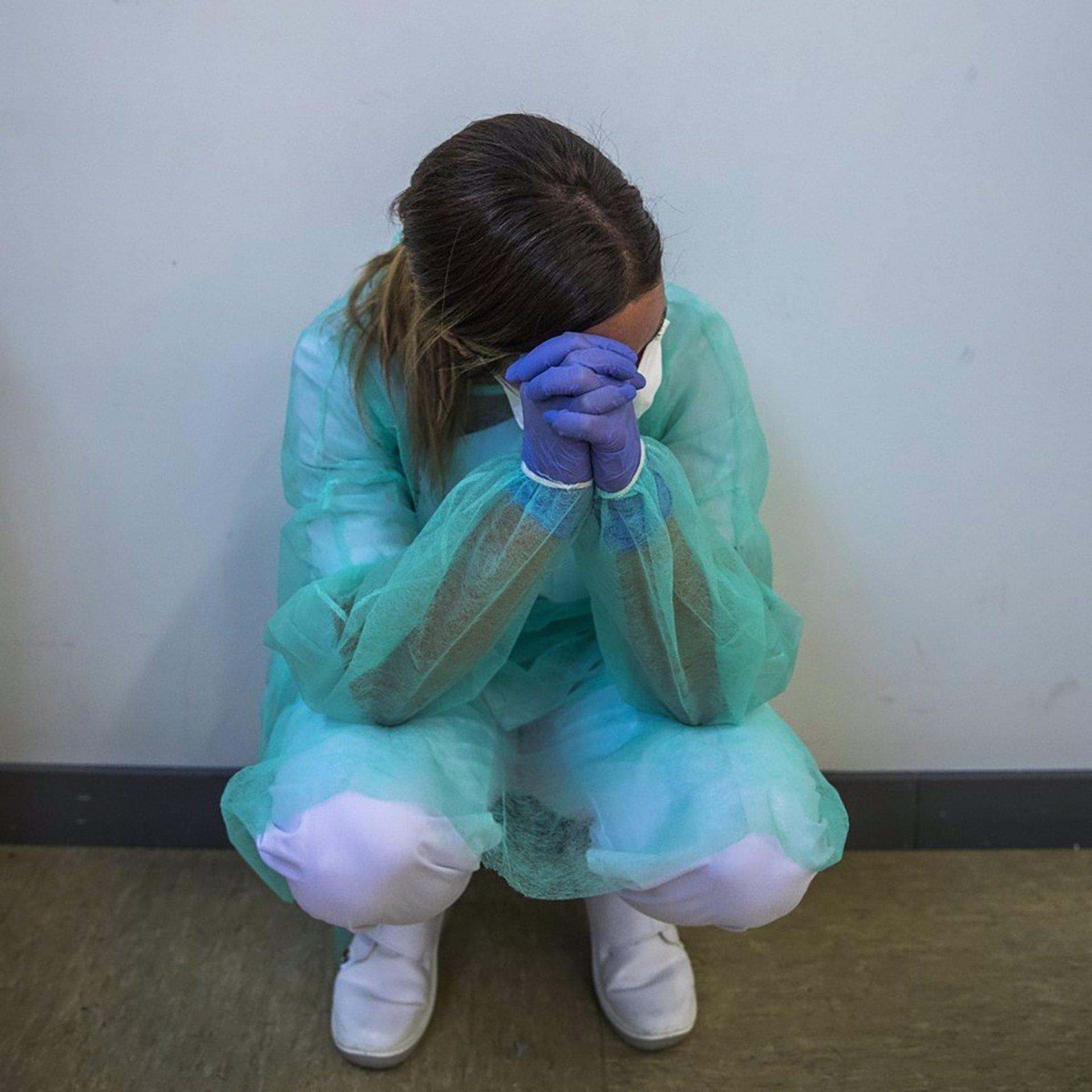 Satse cifra «en más de un millar» los sanitarios positivos en el último mes y pide un estudio de seroprevalencia