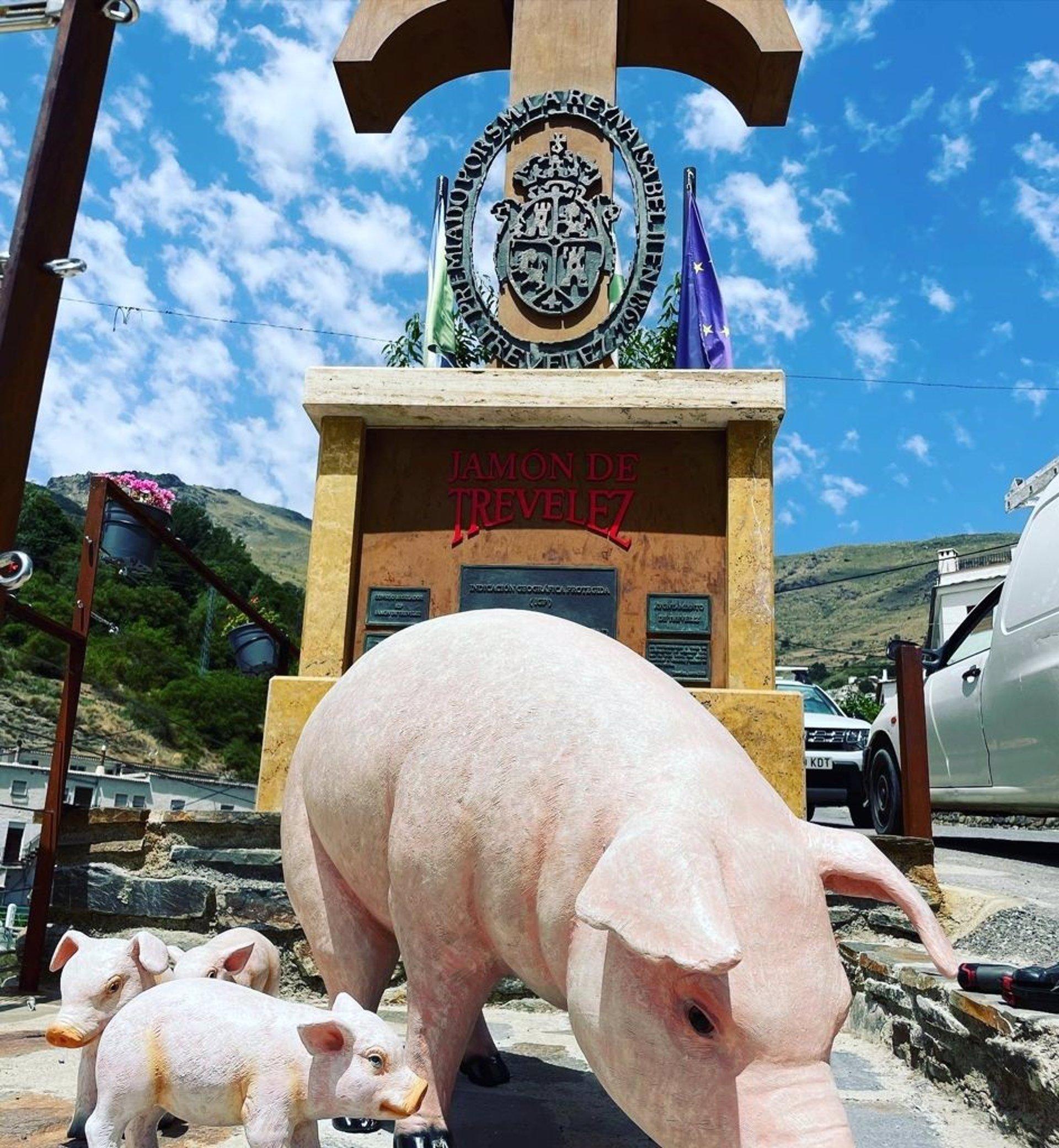 Trevélez organizará la I Feria del Jamón en noviembre para impulsar los productos alpujarreños
