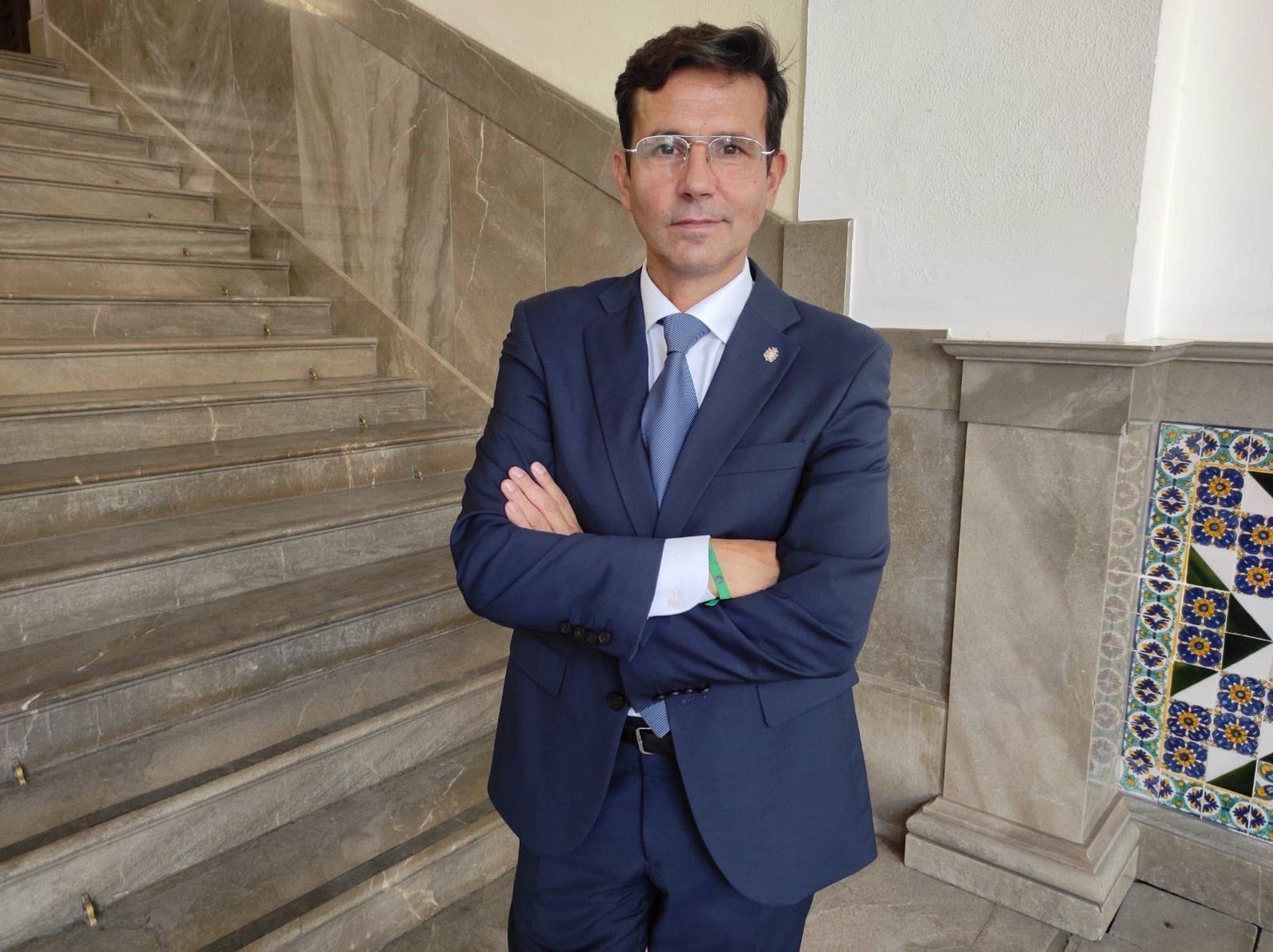 Cuenca pide al Gobierno medidas para mejorar las conexiones por tren y avión de la capital