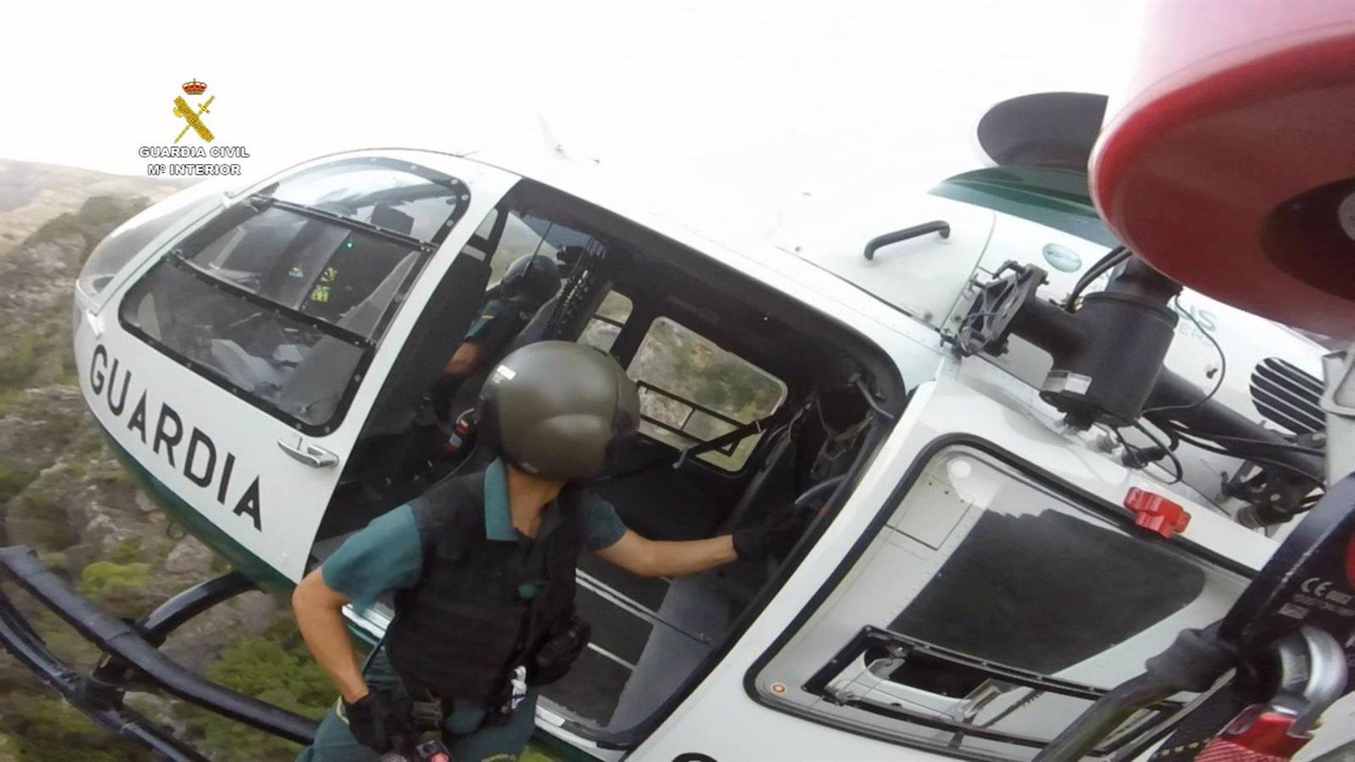 Tres rescatados durante el fin de semana por accidentes en montaña y otro tras hundirse su embarcación