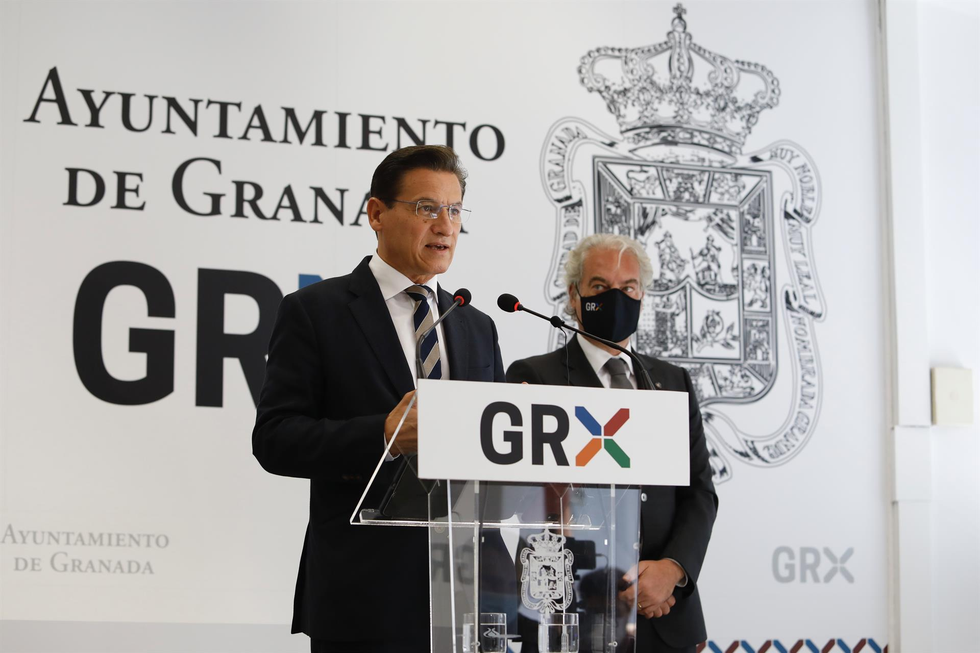 Salvador y Huertas transfieren al Ayuntamiento el dinero de las cuentas del grupo de Cs