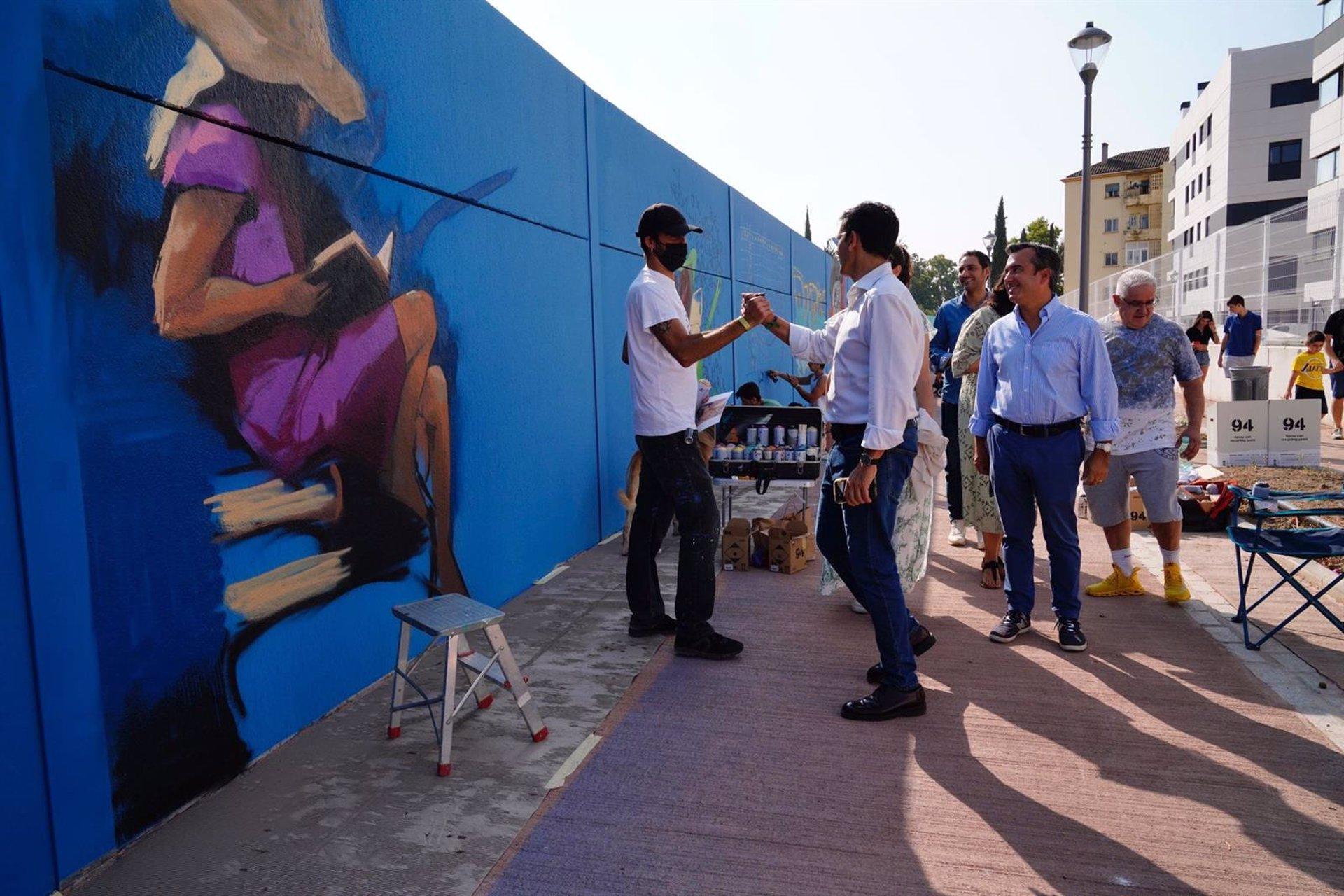 La Chana se convierte en una galería de arte urbano al aire libre con el Niño de las Pinturas y 33 artistas más