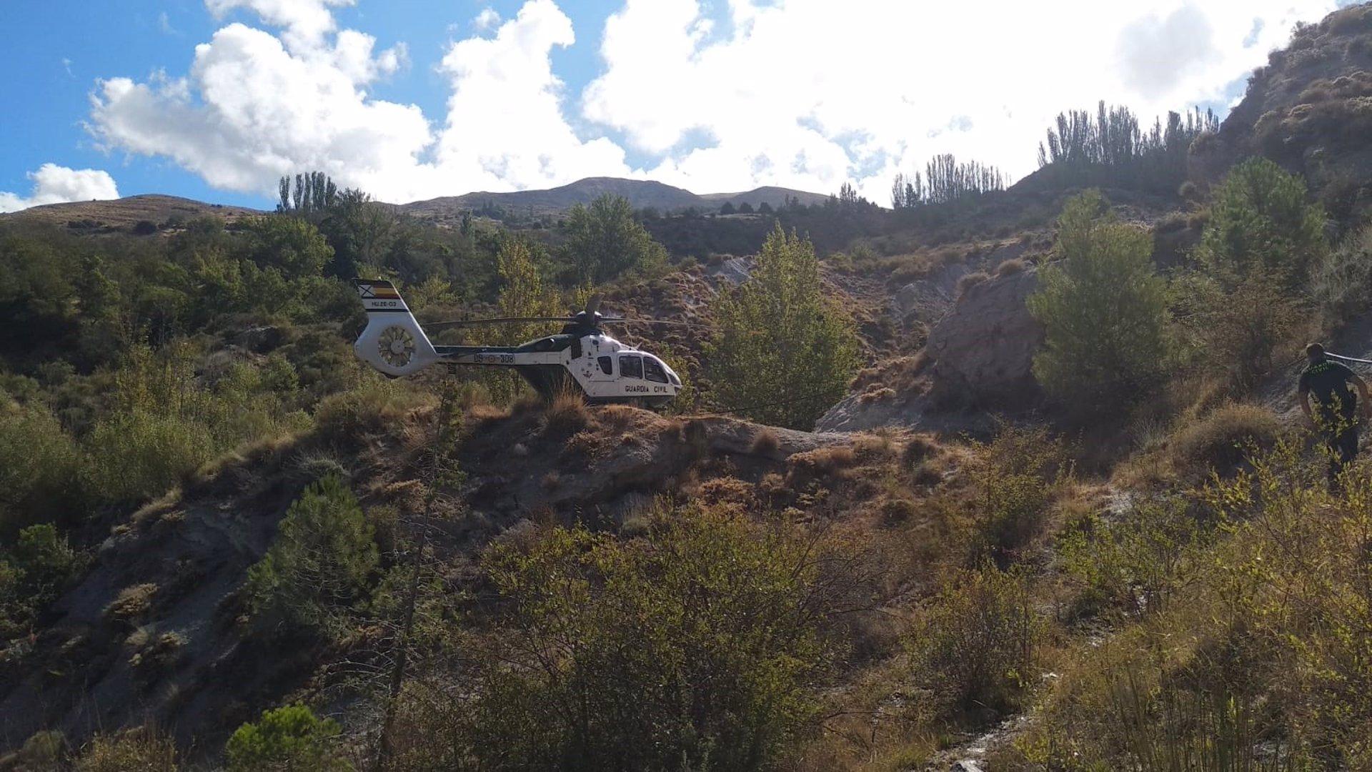 Localizadas dos plantaciones de marihuana en las estribaciones de Sierra Nevada desde el helicóptero