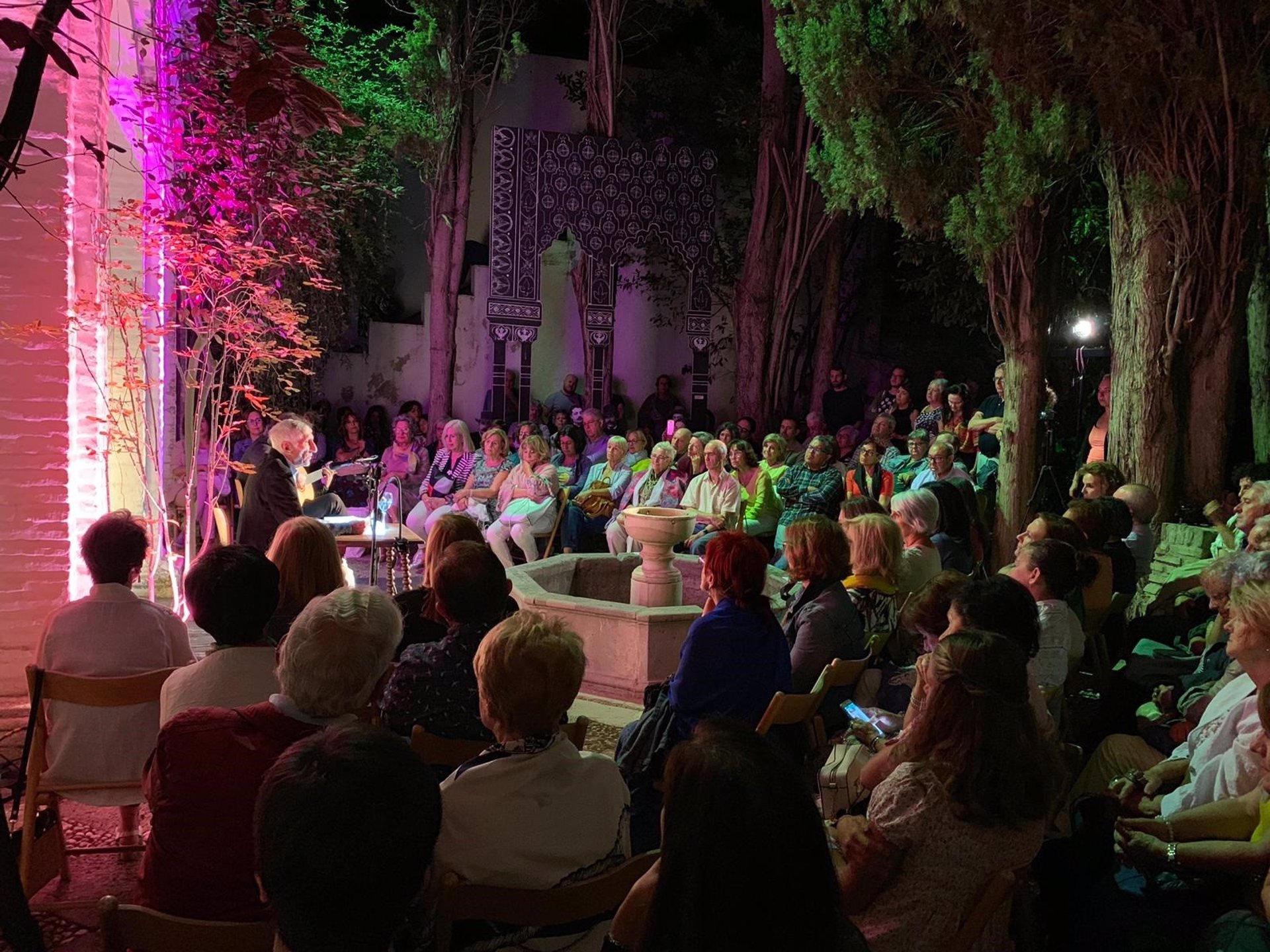 María Elena Higueruelo cierra este martes el ciclo 'Poesía en el Jardín' junto a Atsuko Neriishi