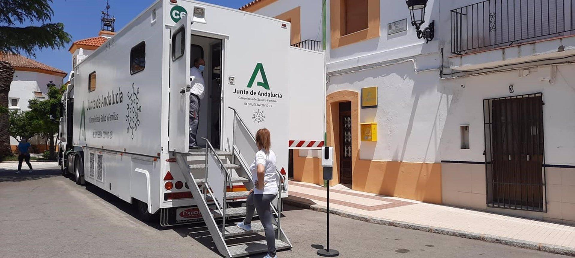 Andalucía baja su tasa de 200 por primera vez en dos meses y registra 1.095 contagios y 29 muertes