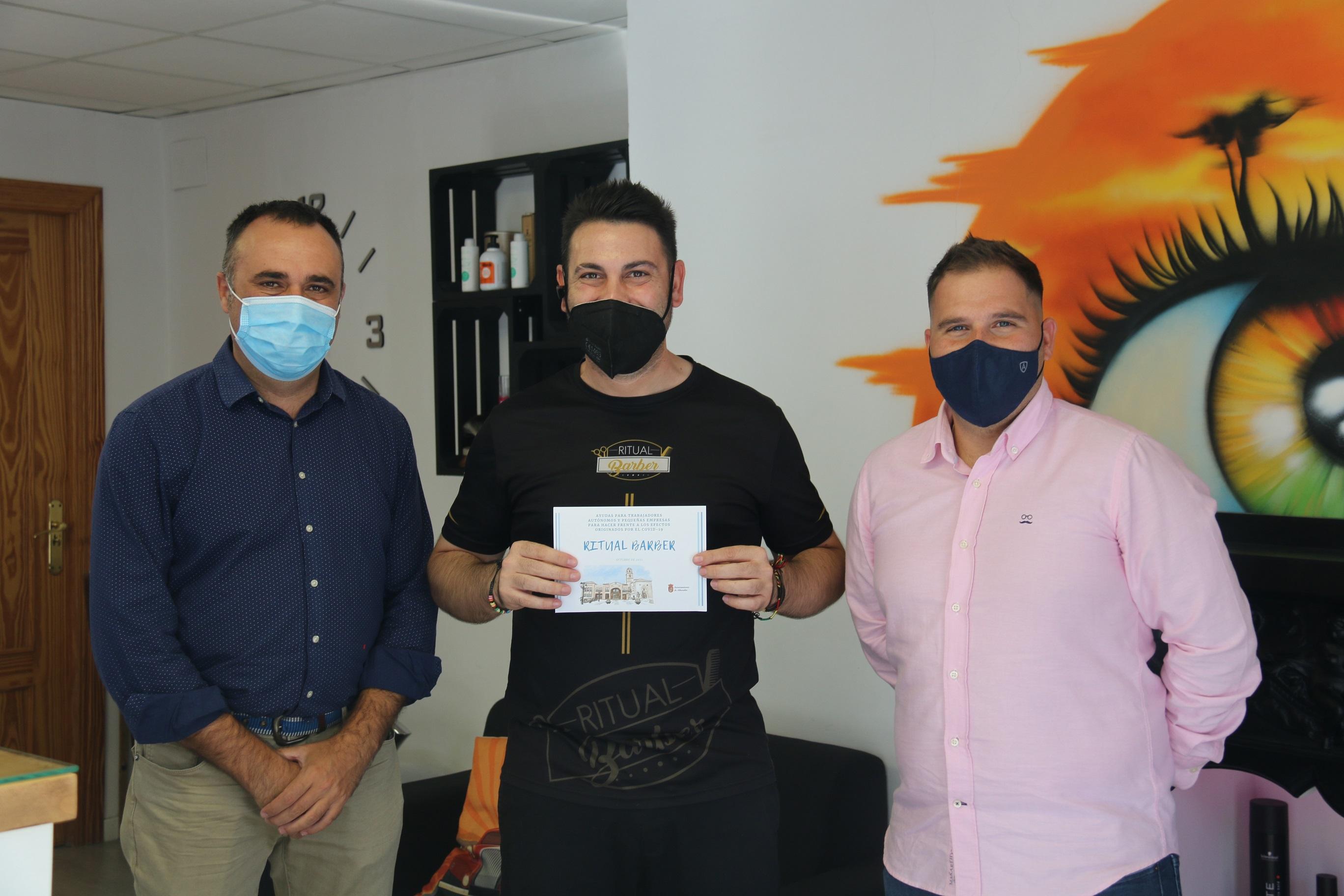Medio centenar de negocios afectados por la pandemia reciben la ayuda económica del Ayuntamiento de Alhendin