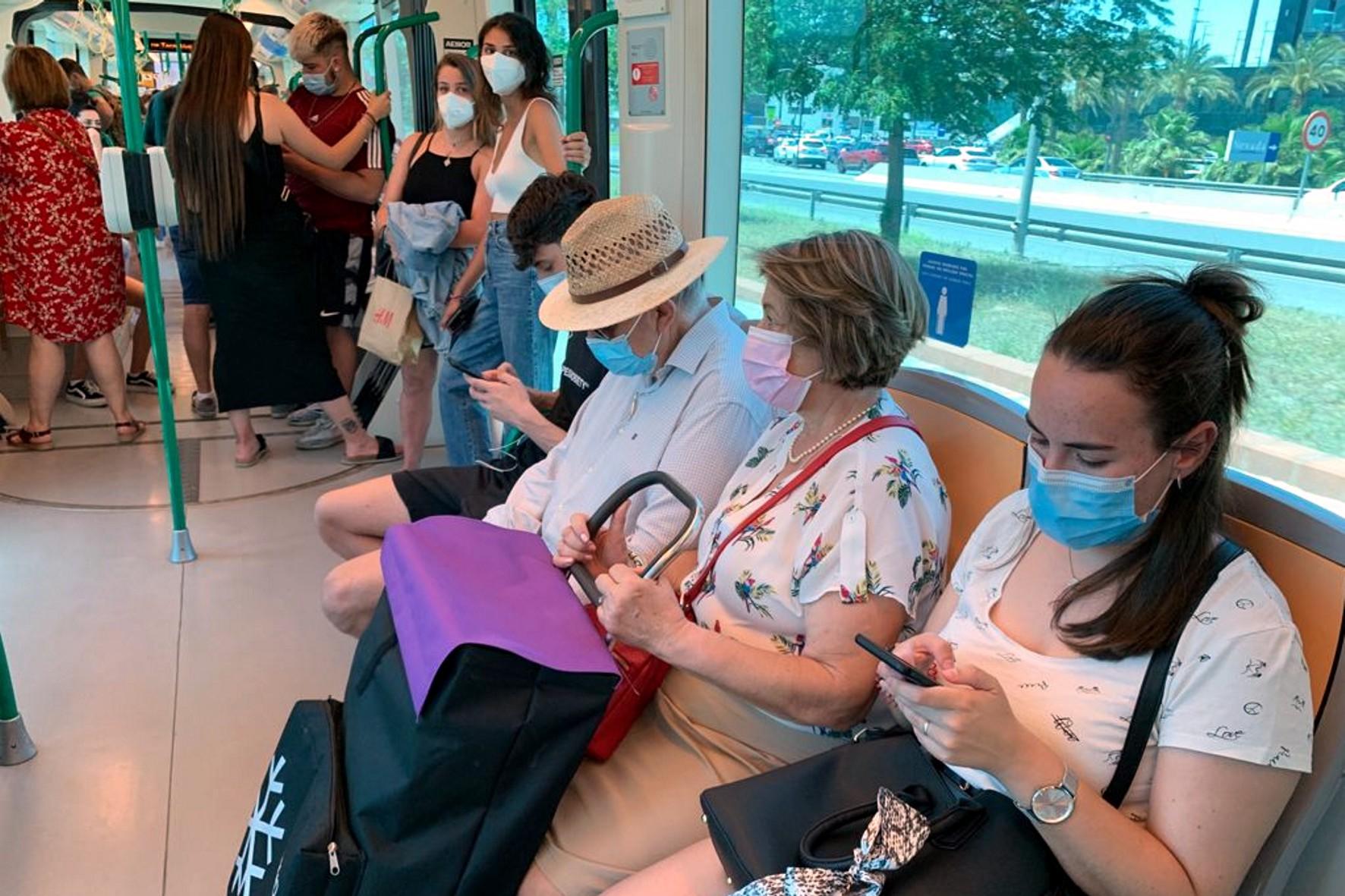 El metro desplaza ya en septiembre el 83% de la demanda de viajeros previa al Covid