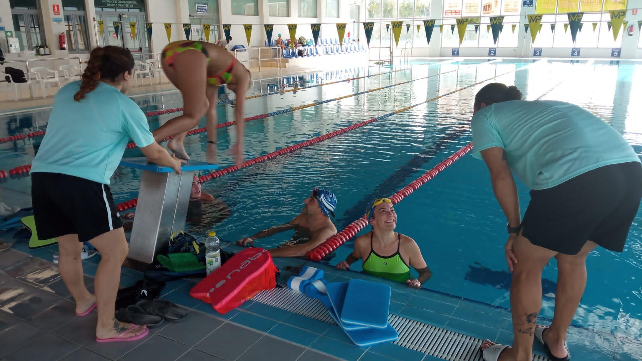 La piscina de Huétor Tájar reabre tras 18 meses sin actividad