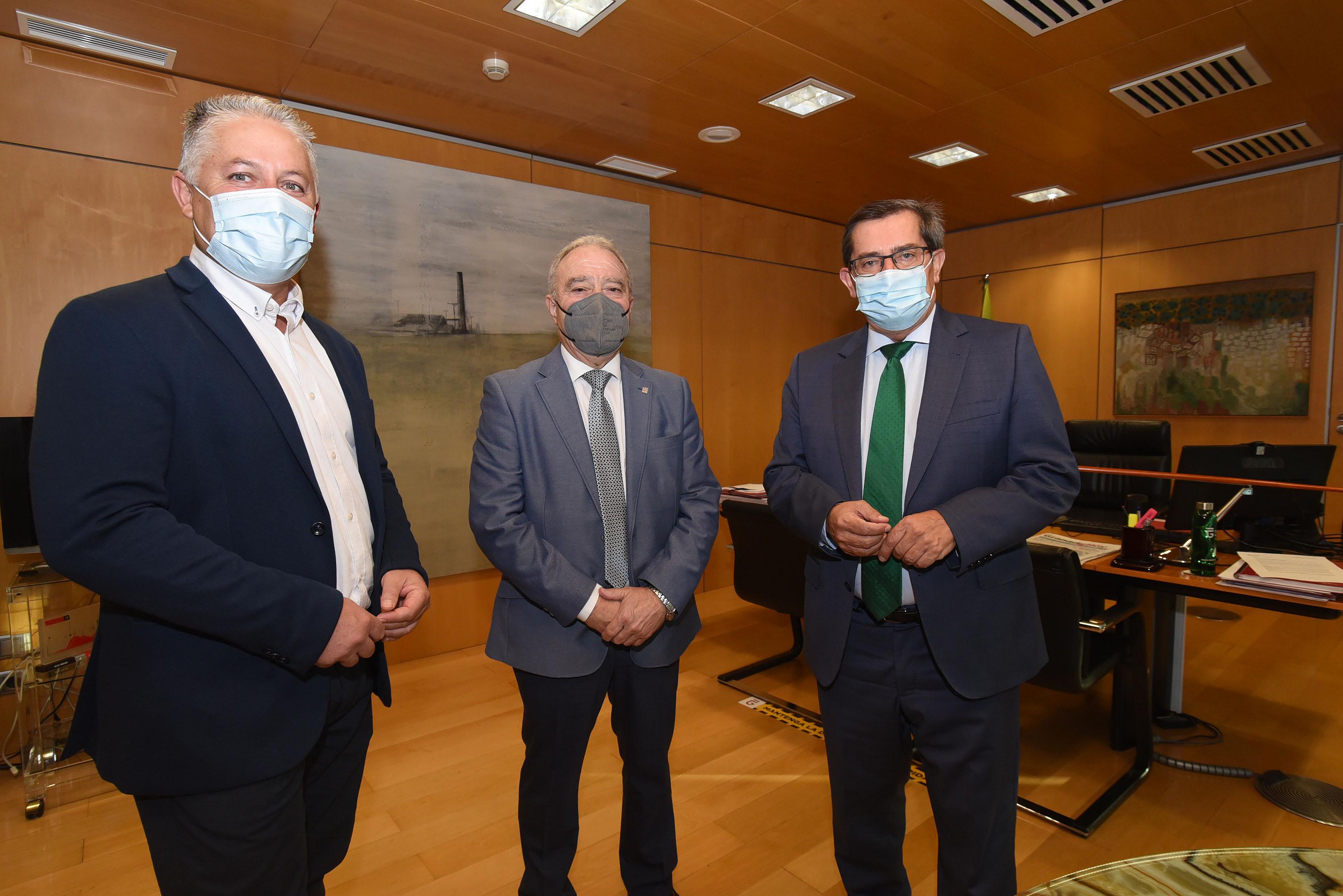 Entrena aborda con presidente de la Diputación de Huesca la delegación de competencias municipales y la despoblación