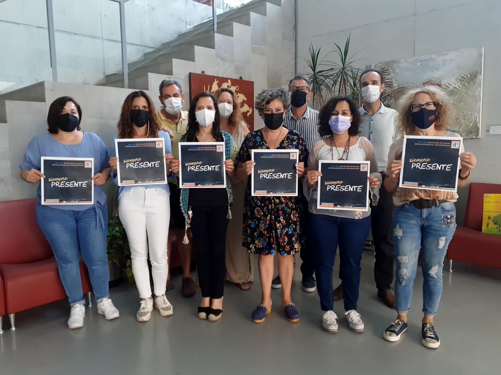 CCOO Granada lamenta que el gobierno andaluz siga «dando la espalda a la educación» en el Día Mundial del Docente