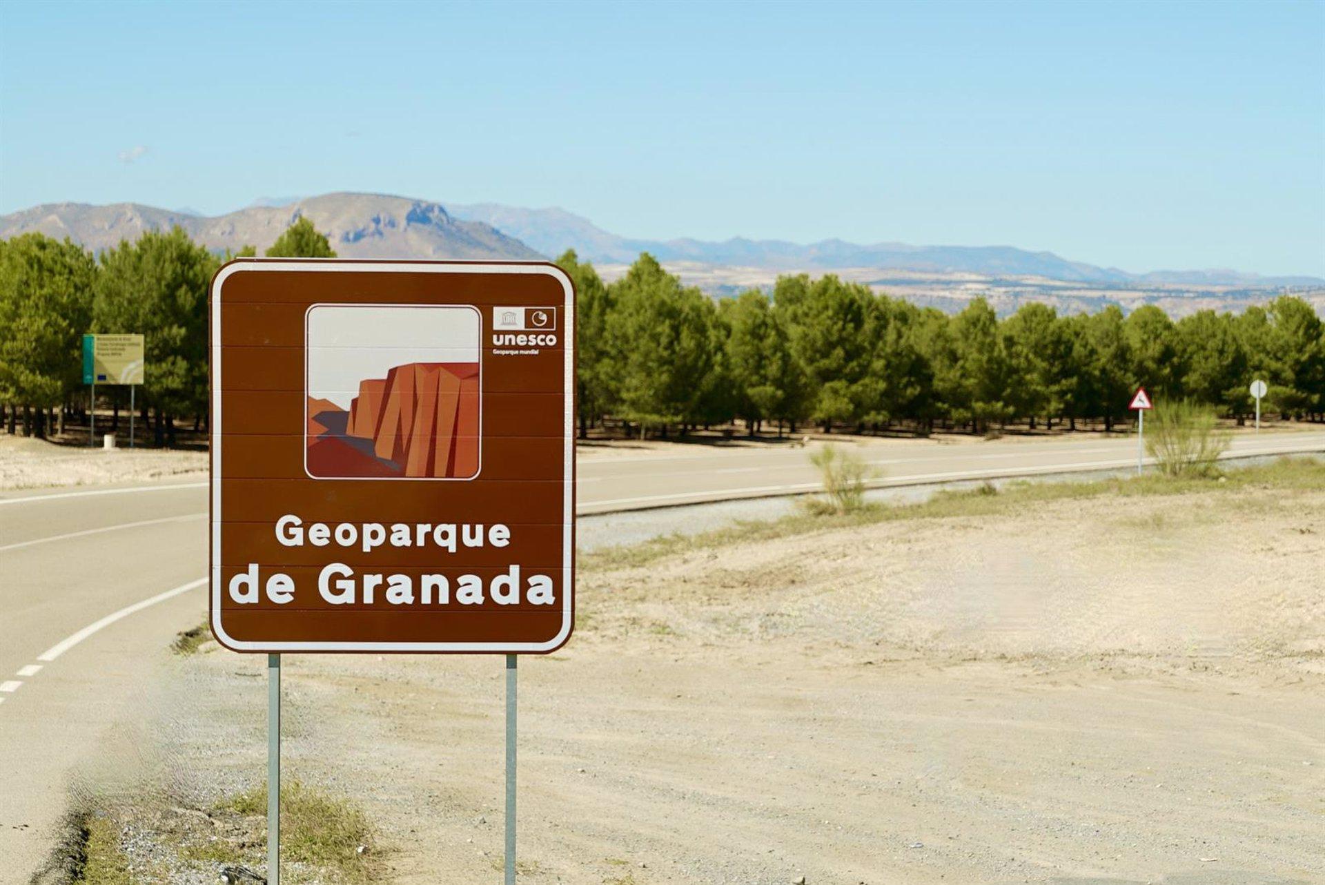 Diputación destaca que el Geoparque de Granada comienza a instalar la señalización oficial