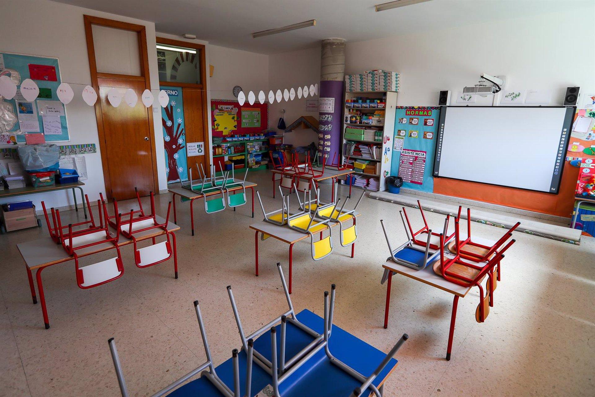 El colegio de la menor cuyos padres no quieren que lleve mascarilla activa el protocolo de absentismo