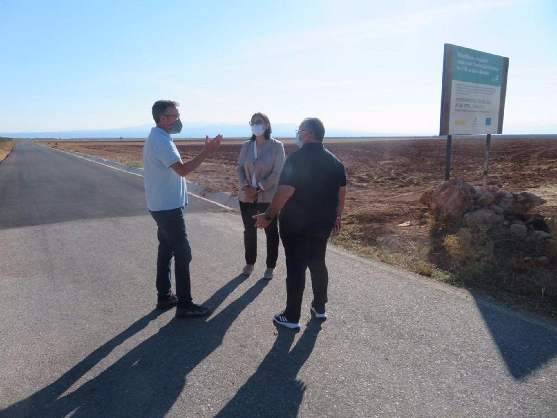 La Junta invierte más de 4,3 millones en la mejora de caminos rurales de 60 municipios